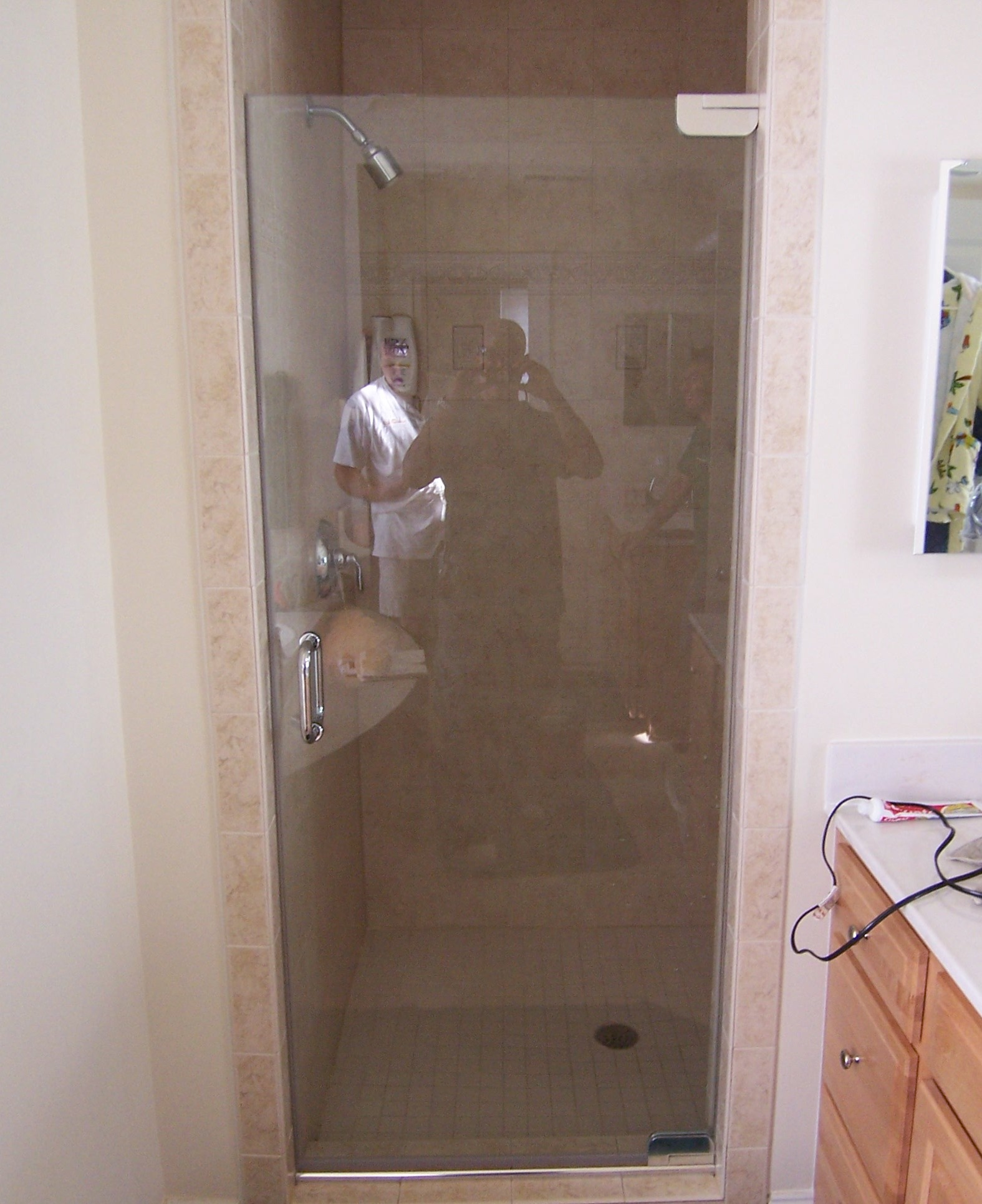 Single shower doors frameless shower doors for Bathroom entrance doors