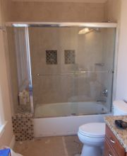 Semi-Frameless Tub Slider with inline Panel