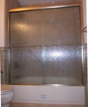 Semi-Frameless Tub Slider with Obscured Glass (2)
